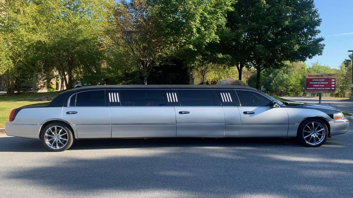 No event is complete without a limousine ride